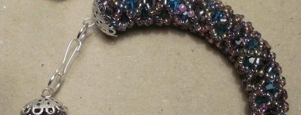 SetMargele4+-+Margele+sticla+2mm+++Cristale+biconice+4mm+++Elemente+metalice+argintate+-+35+ron